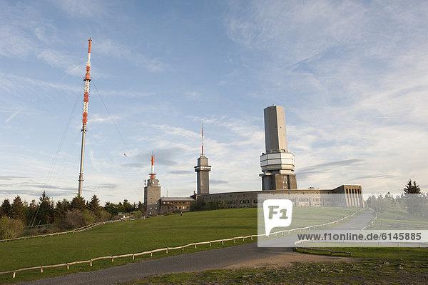 Transmission tower of Hessian Broadcasting  116.17 metres  left  Mt Grosser Feldberg  Niederreifenberg  Hesse  Germany  Europe