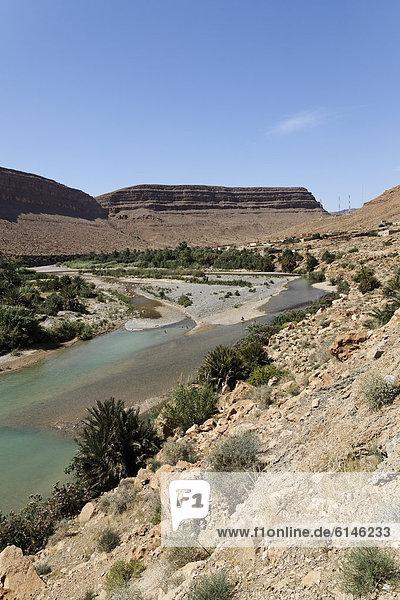 Fluss im Atlas-Gebirge  Königreich Marokko  Maghreb  Afrika