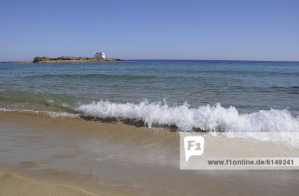Europa Strand klein frontal Kapelle Kreta Griechenland Brandung