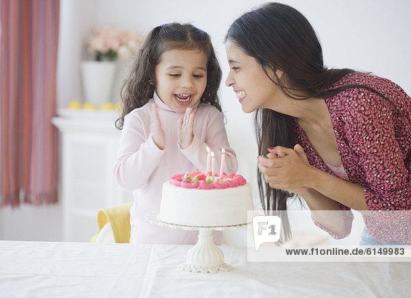 Fest festlich Hispanier Geburtstag Mädchen Mutter - Mensch