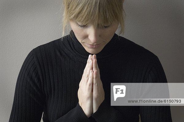 hoch  oben  nahe  Frau  Gebet