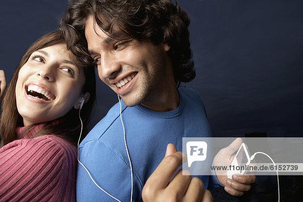 zuhören  Hispanier  Spiel  MP3-Player  MP3 Spieler  MP3 Player  MP3-Spieler  Ähnlichkeit