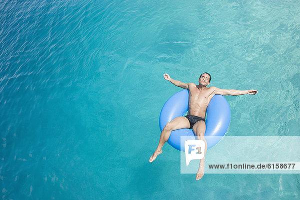 Wasser  Mann  Hispanier  fließen