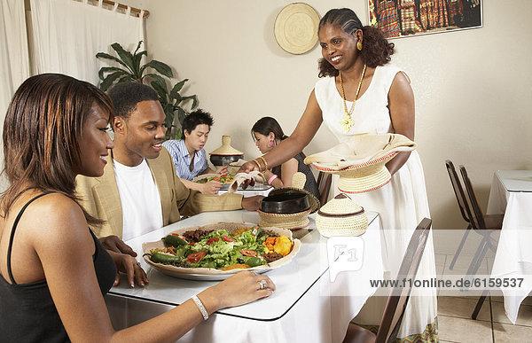 Restaurant  amerikanisch  essen  essend  isst