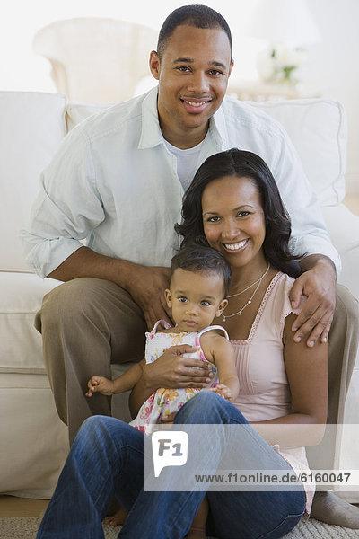 Zimmer  Menschliche Eltern  amerikanisch  Wohnzimmer  Baby