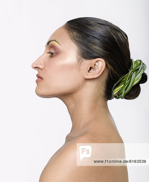 Frau  Verpackung  Pflanze  Indianer  Haar  umwickelt