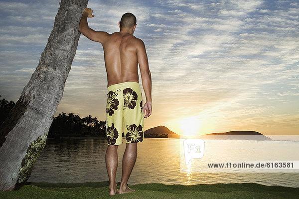 Mann  sehen  Sonnenuntergang