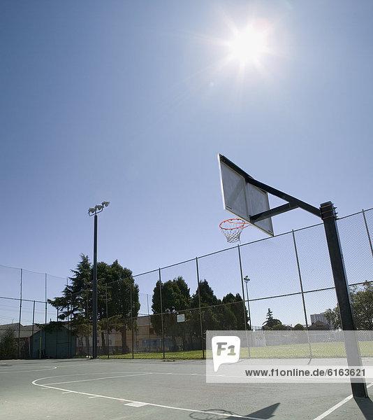 beleuchtet  Basketball  Gericht  Sonne