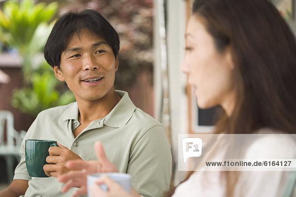 Mann  sprechen  Freundin
