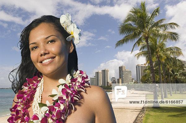 Frau  Pazifischer Ozean  Pazifik  Stiller Ozean  Großer Ozean  Kleidung  lei