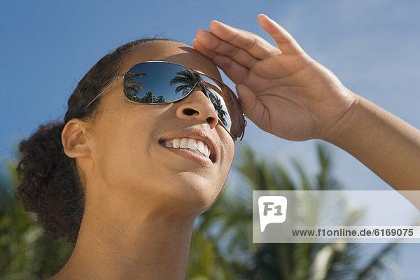 Frau  Kleidung  Sonnenbrille Frau ,Kleidung ,Sonnenbrille