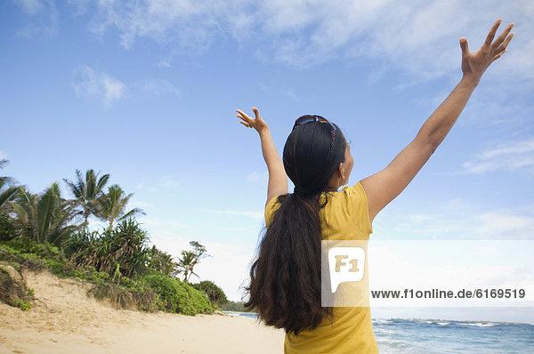 Frau  Strand  heben  Pazifischer Ozean  Pazifik  Stiller Ozean  Großer Ozean