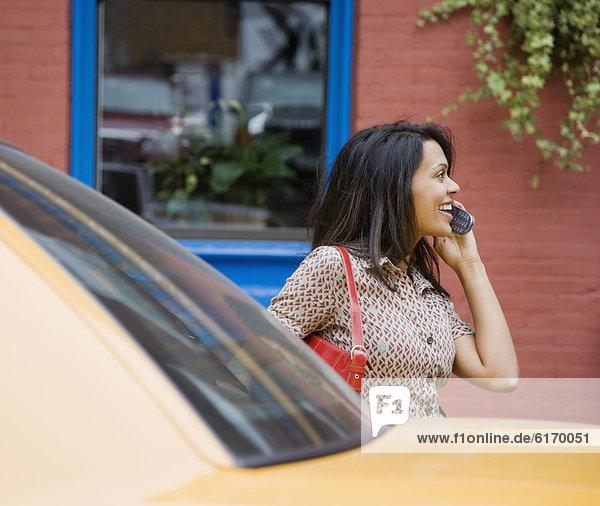 Handy  Frau  sprechen  mischen  Mixed