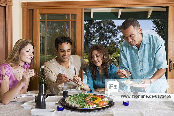 Sushi  multikulturell  essen  essend  isst