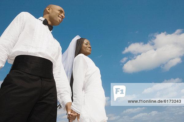 Braut  Bräutigam  halten Braut ,Bräutigam ,halten