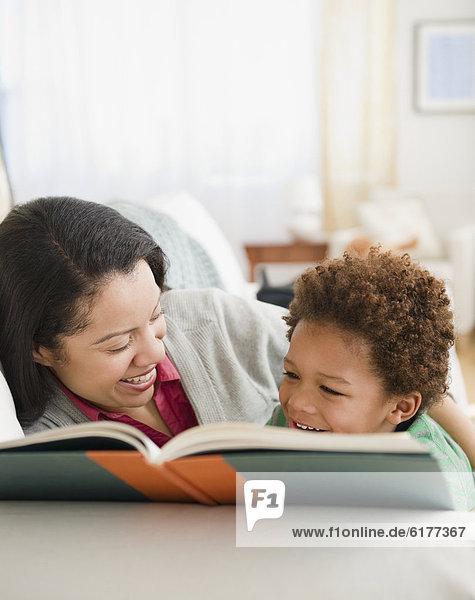 Buch  Sohn  mischen  Taschenbuch  Mutter - Mensch  Mixed  vorlesen