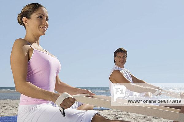 Hispanier  üben  Yoga Hispanier ,üben ,Yoga