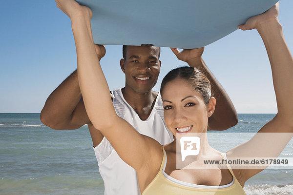 einsteigen  halten  Bodyboard  multikulturell einsteigen ,halten ,Bodyboard ,multikulturell