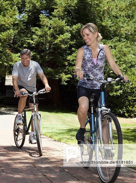 Europäer  fahren  Fahrrad  Rad