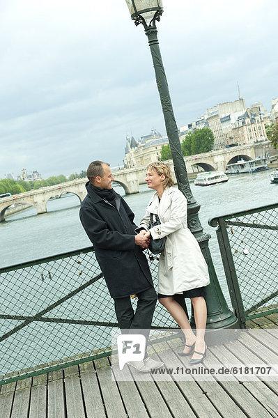 Europäer  halten  Brücke