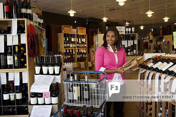 Wein  arbeiten  klein  Inhaber  mischen  Laden  Business  Mixed
