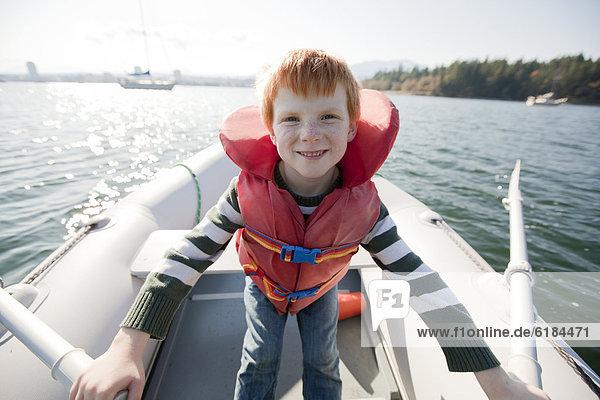 Europäer  Junge - Person  Boot  Rudern
