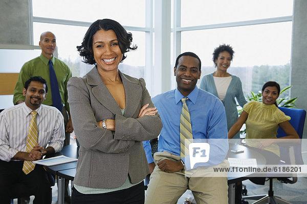 Mensch  Pose  Büro  Menschen  multikulturell  Business