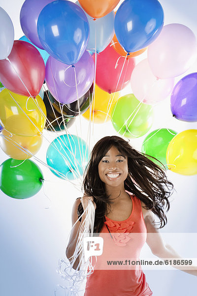 Frau  Luftballon  Ballon  Geburtstag  amerikanisch
