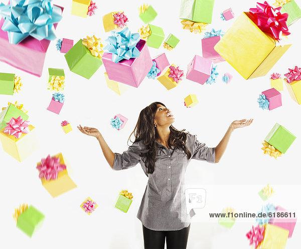 Geburtstagsgeschenk  fallen  fallend  fällt  Frau  Geburtstag  amerikanisch