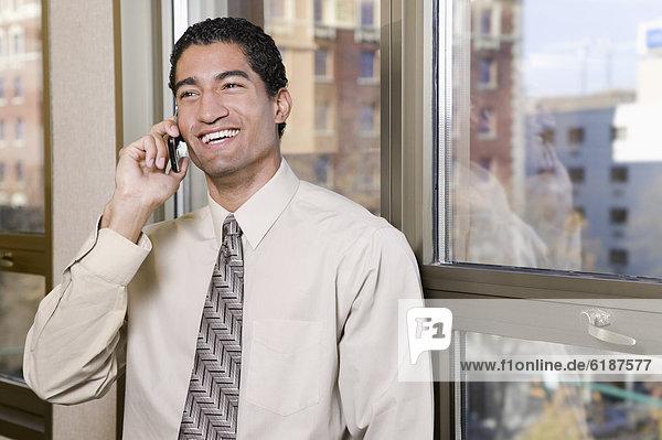 Handy  sprechen  Geschäftsmann  mischen  Mixed