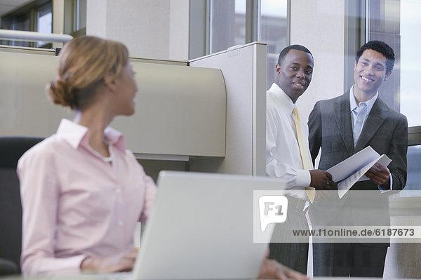 Zusammenhalt  Mensch  Büro  Menschen  arbeiten  multikulturell  Business