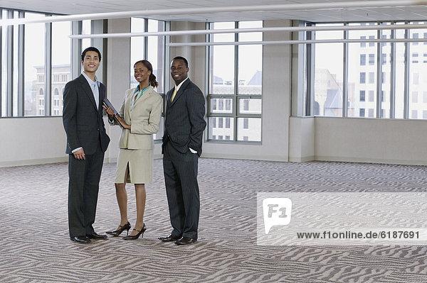 leer  Mensch  Pose  Menschen  Gebäude  multikulturell  Business