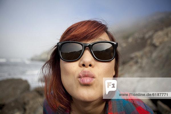 Frau  stirnrunzeln  südkoreanisch