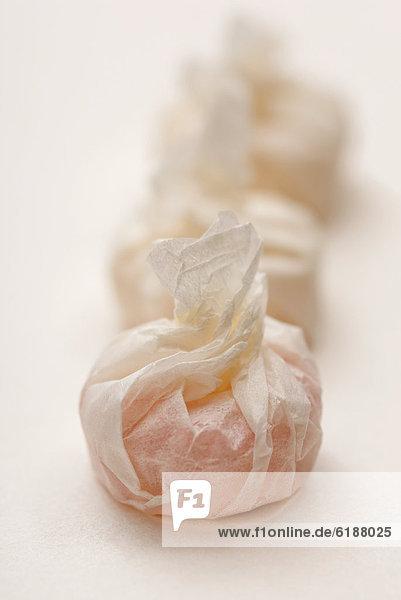 hoch  oben  nahe  Papier  Verpackung  Süßigkeit  umwickelt