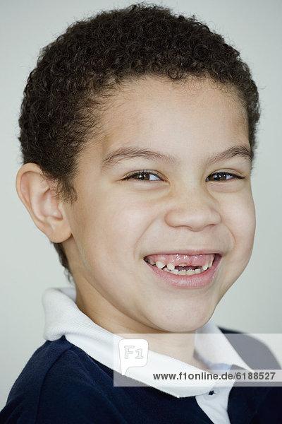 lächeln  Junge - Person  mischen  fehlend  Mixed