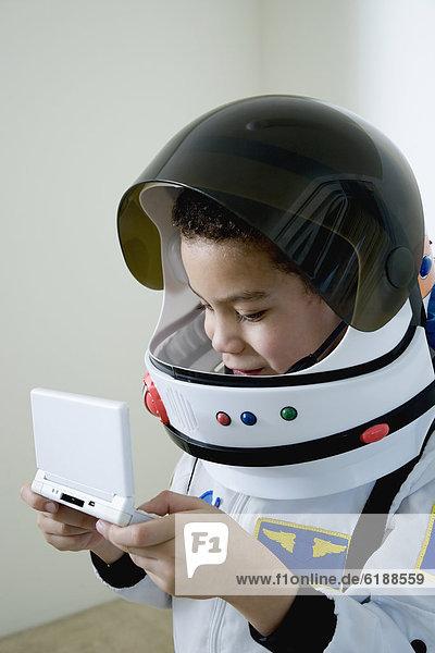 Junge - Person  Spiel  mischen  Camcorder  Kostüm - Faschingskostüm  Astronautin  Mixed