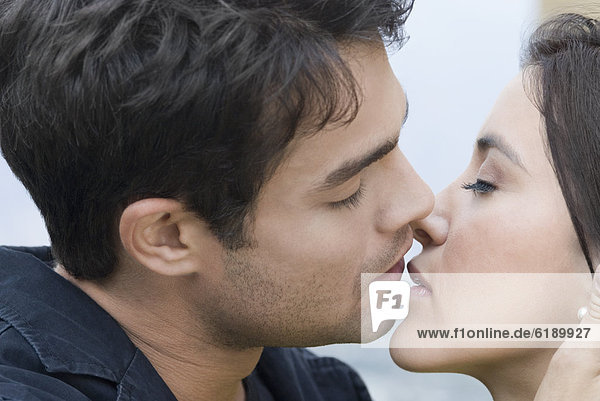 küssen  Hispanier
