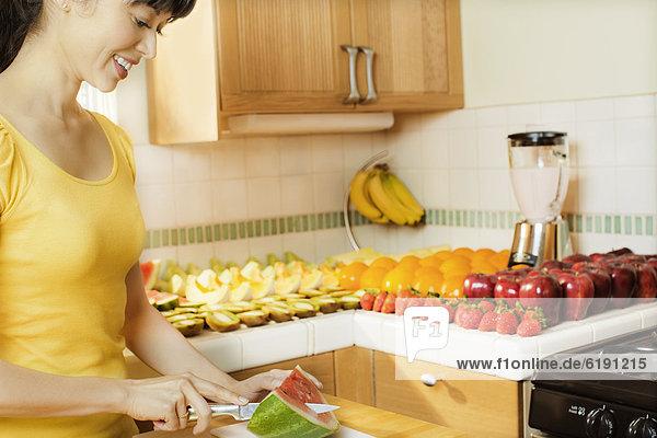 Frau  schneiden  Küche  mischen  Wassermelone  Mixed