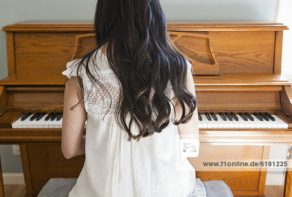 Frau  Klavier  mischen  Mixed  spielen
