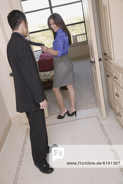 führen  Frau  Hispanier  Schlafzimmer  Ehemann