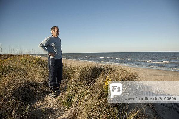 nahe  stehend  Mann  Ozean  Sand  Düne