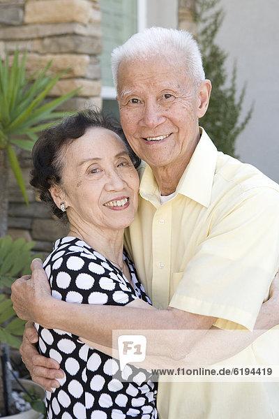Senior  Senioren  umarmen  chinesisch