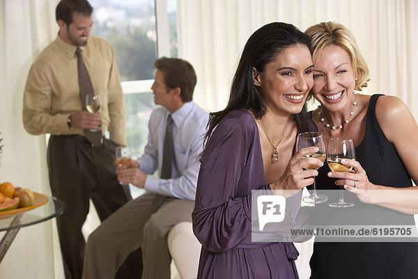 Fröhlichkeit  lächeln  Party