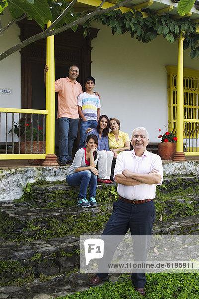 Stufe Zusammenhalt Wohnhaus Hispanier