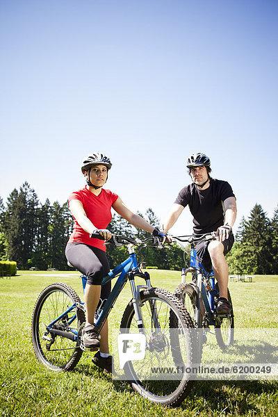 Berg  fahren  Feld  Fahrrad  Rad