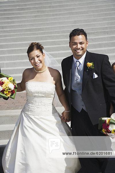Braut  Bräutigam  halten  multikulturell