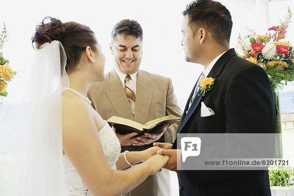 Ehepaar  multikulturell  bekommen