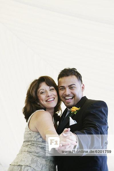 Bräutigam  Hochzeit  tanzen  Mutter - Mensch