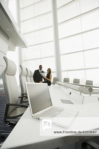 Mensch  Notebook  Geschäftsbesprechung  Menschen  Zimmer  Business  Konferenz