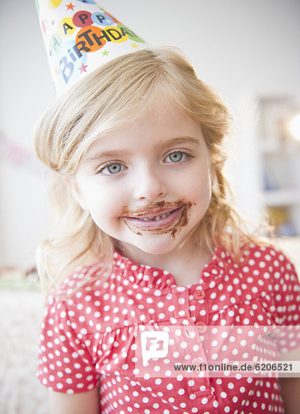 Europäer  Party  Geburtstag  Schokolade  Mädchen Europäer ,Party ,Geburtstag ,Schokolade ,Mädchen